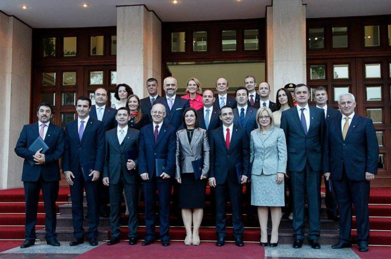 """Me mirë ministre femra? Çfarë thonë studimet dhe si e kanë """"pësuar"""" vendet që i kanë zgjedhur"""