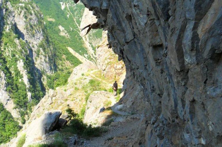 Majë maleve të rrezikshme, ja ku fshihet kalaja e Skënderbeut