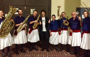 Grupi Fanfara Tirana performon në krah të artistëve botërorë në RAI Uno