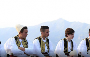 Muzika tradicionale shqiptare Saz'iso drejt globalizimit