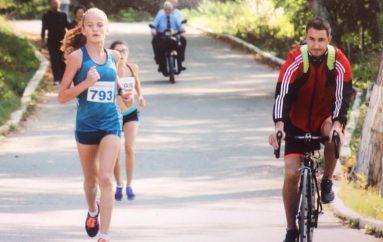 Kush është atletja e Maratonës së Tiranës që kërkon të ngjisë majat në Tokio