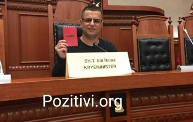 Njihuni me djalin që i zuri karrigen Ramës në Kuvend, ka një mesazh të fortë
