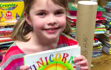 Pasi humbi të gjitha librat në zjarr, vajza e vogël bën një bibliotekë thesar