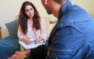Një këshilltar i shkëlqyër i shëndetit mendor për refugjatët e traumatizuar