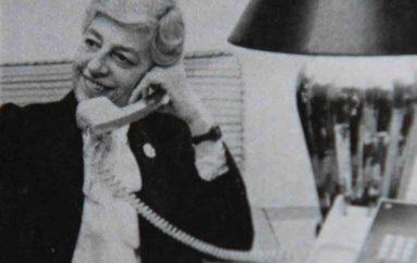 Imitoi shefin e saj për 67 vjet, sekretarja trondit me pasurinë sekrete