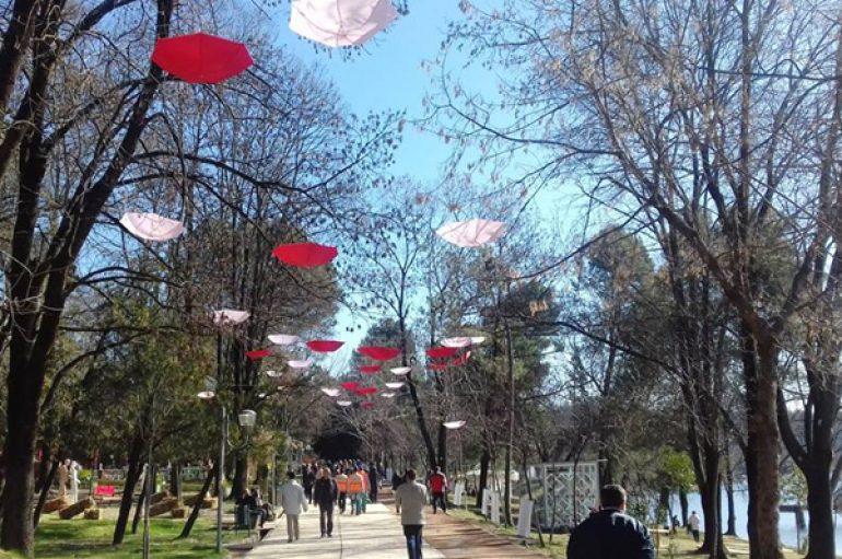 Tirana nën lupën e një vajze serbe