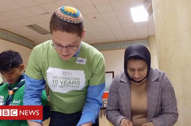 Muslimanët dhe hebrenjtë së bashku, shërbejnë 1.000 tasë me supë për të pastrehët