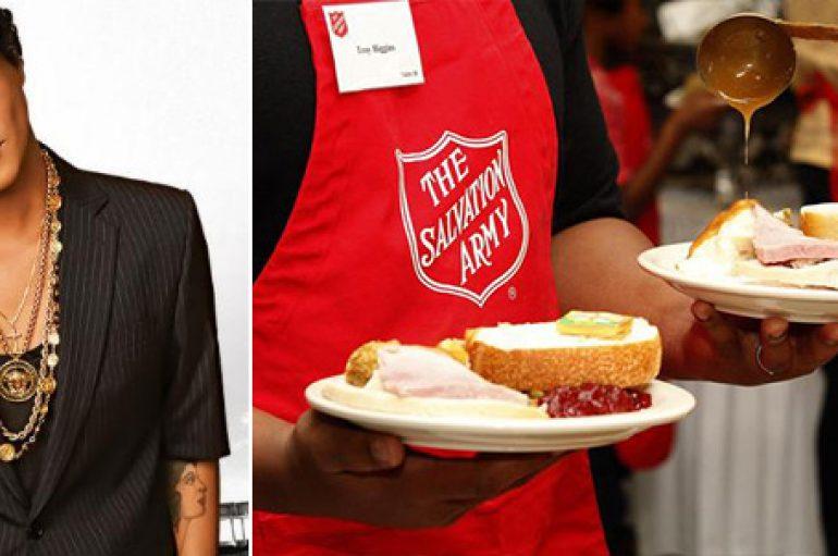 Bruno Mars dhuron ushqim për 24.000 njerëz