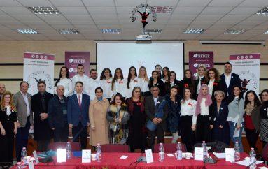 'Ruaj traditën, festo shqip', artistë dhe studiues të folklorit bashkohen me nismën e studentëve