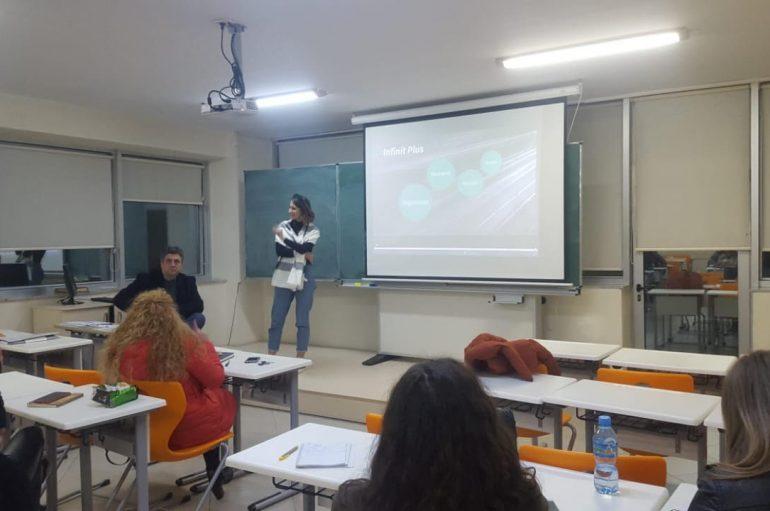 Zhvillohet takimi i dytë me gazetarët e rinj