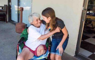 11-vjeçarja me mision magjik, plotëson dëshirat e të moshuarve në azile