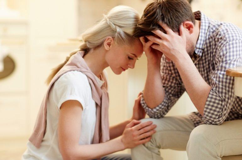 Studimi: Të mendosh për personin e zemrës, ul stresin njëlloj sikur ta kesh pranë