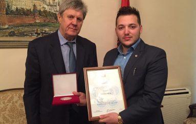 Nderohet me medalje nga Ambasada Ruse, Marilo Meta një model suksesi për të rinjtë