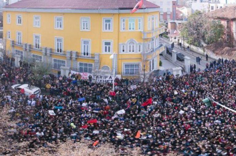 Protesta paqësore mund të sjellë ndryshime sociale, në Amerikë është normë