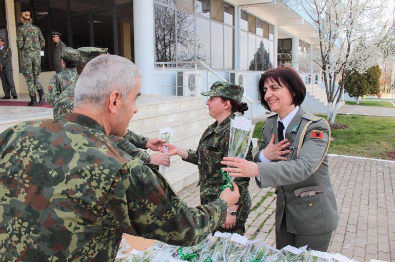 Festa e ushtarakeve shqiptare, e mbushur me energji pozitive