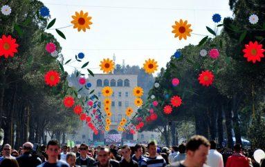 Dita e Verës erdhi, bashkojuni gjallërisë dhe gëzimit të së dielës