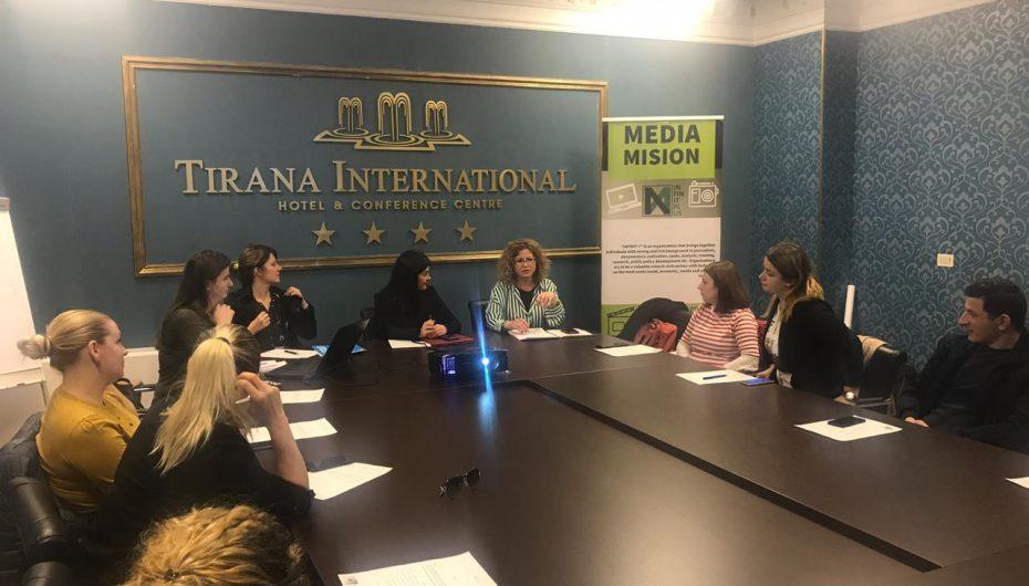 Mbrojtja sociale, zëvendës ministrja përballë gazetarëve të rinj: Si duhet të funksionojë sistemi