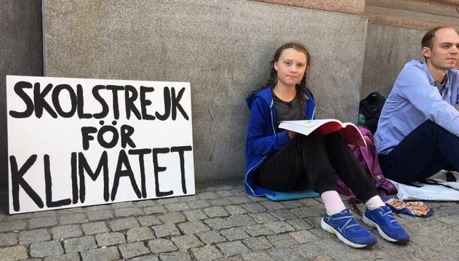 16 vjeçarja që udhëhoqi protesta për klimën, kthehet në model frymëzimi për të rinjtë
