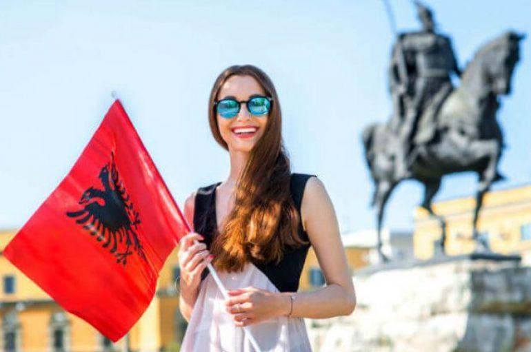 Media amerikane: Pse duhet ta vizitoni Shqipërinë e ngjyrave