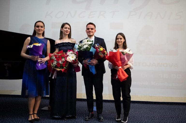 """Arti bashkon kombet, 4 të rinj zhvillojnë koncertin """"Fqinjët"""" në Tiranë"""
