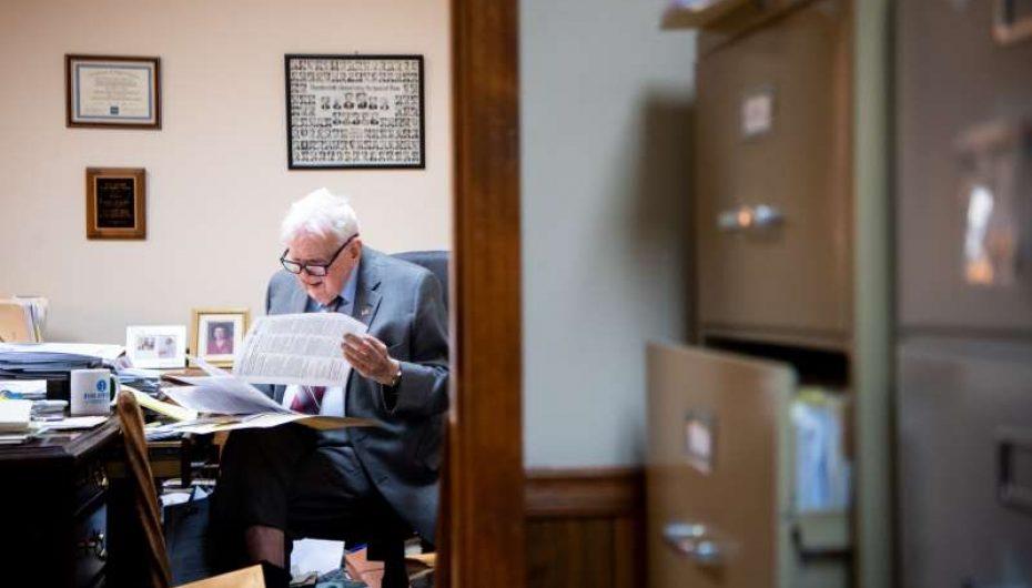 Avokati 97-vjeçar ende vazhdon të punojë çdo ditë