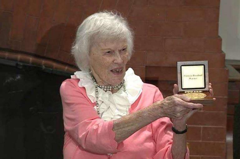 Dekada pas shërbimit të fshehtë, heroina e Luftës së Dytë Botërore nderohet me medalje në Kongres
