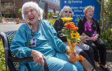 Infermierja më e vjetër feston 94 vjetorin e lindjes në spital
