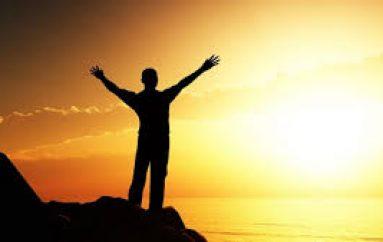 Studimi zbulon 2 periudhat më të lumtura gjatë jetës