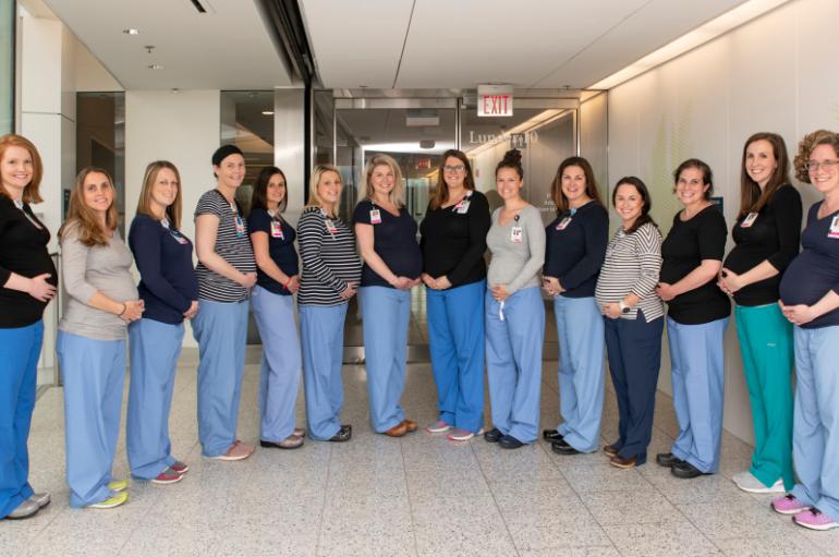 14 infermiere të një spitali, shtatzënë në të njëjtën kohë