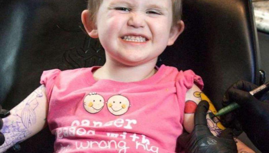 3-vjeçarja që lufton me kancerin vizaton tatuazhe si babai