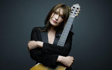 Carla Bruni në Butrint për koncertin e parë në Shqipëri