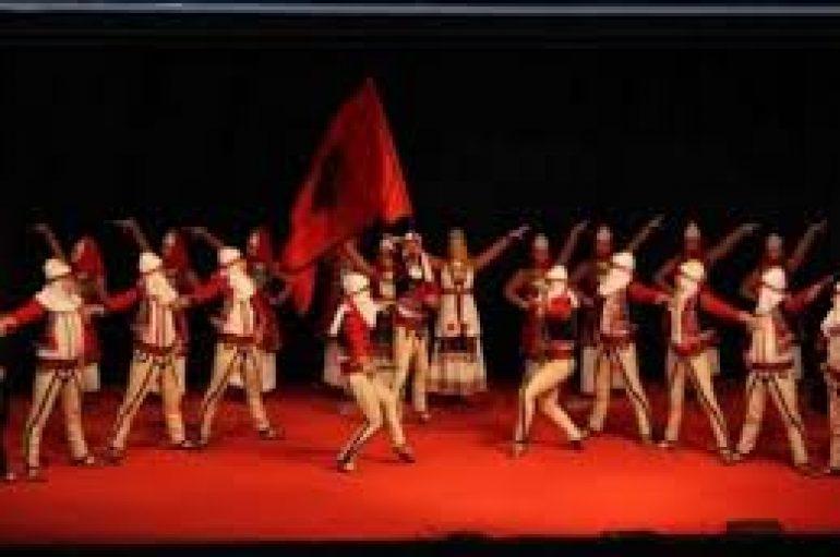 Kultura shqiptare prezantohet në Festën e Popujve