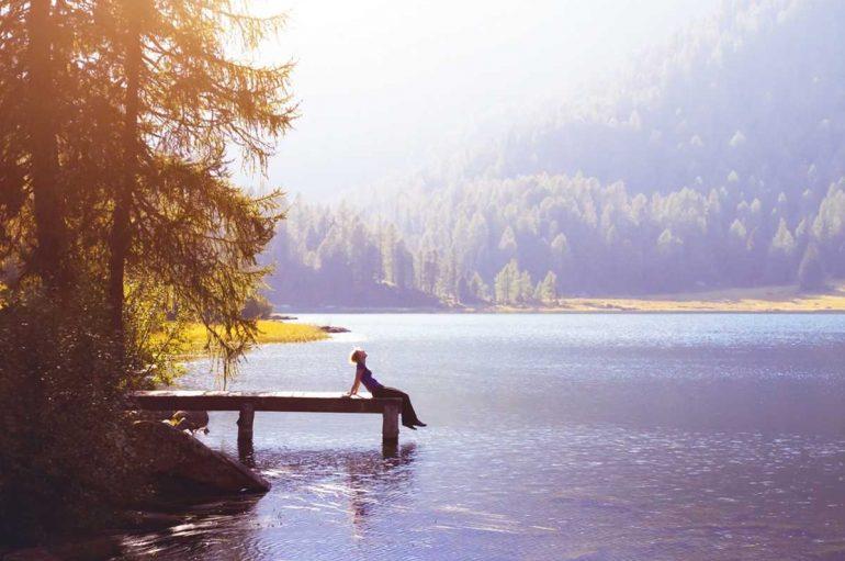 Duhen dy orë kontakt me natyrën për të qenë më të shëndetshëm dhe më të lumtur