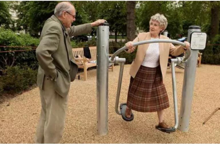 Parqet për fëmijë dhe të moshuar, zvogëlojnë vetminë