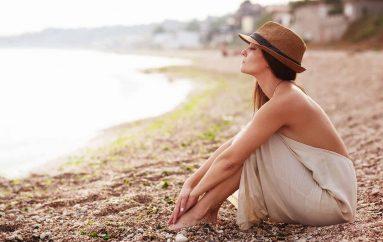 Psikologia: Pse nënat duhet të bëjnë pushime pa fëmijët