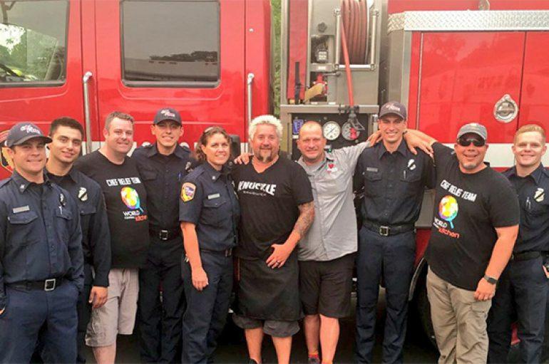Kuzhinierët e famshëm janë grumbulluar për të ushqyer zjarrfikësit