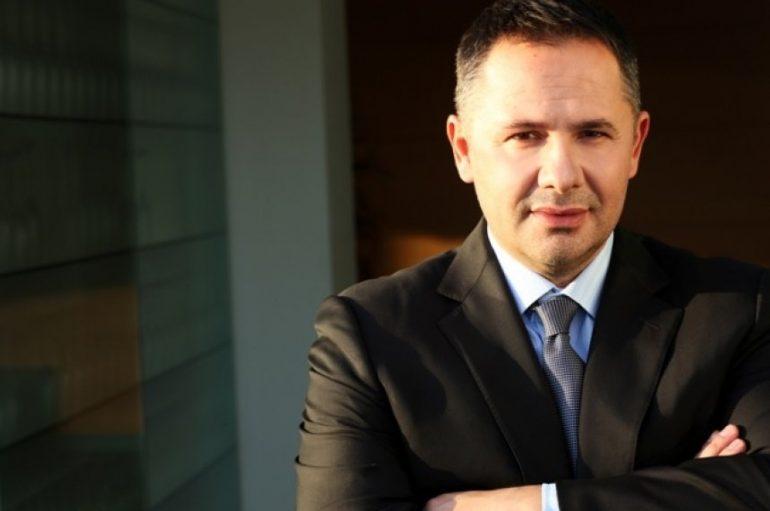 Biznesmeni Samir Mane dhuron 1.2 milionë euro për të dëmtuarit e tërmetit katastrofik