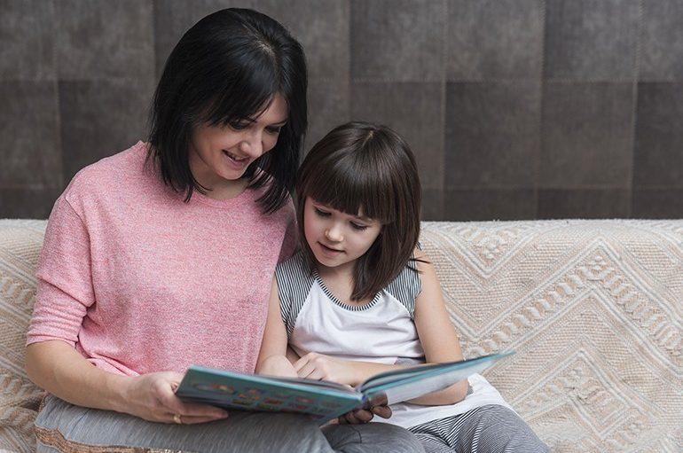Mësuesja Drita Topjana u bënë thirrje prindërve: Mbani ditar për fëmijën tuaj, është i rëndësishëm!