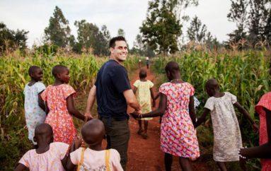 Një çift bashkëshortësh shpëtojnë 36 vajza nga skllavëria seksuale