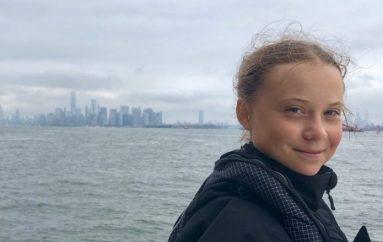 """Vajza autike nominohet për çmimin """"Nobel"""" të Paqes"""