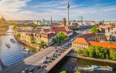 Berlin, transporti publik falas për të gjithë nxënësit e shkollave
