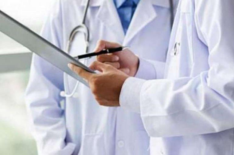 Pacientët letër falenderimi mjekut