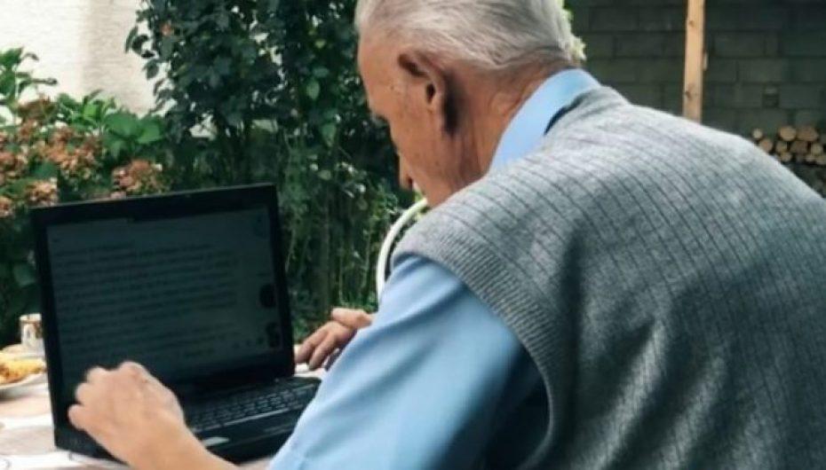 93 vjeçari shqiptar është ekspert në kompjuter dhe përdorues i facebook