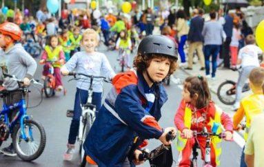 Tirana renditet ndër 12 qytetet më miqësore me fëmijët