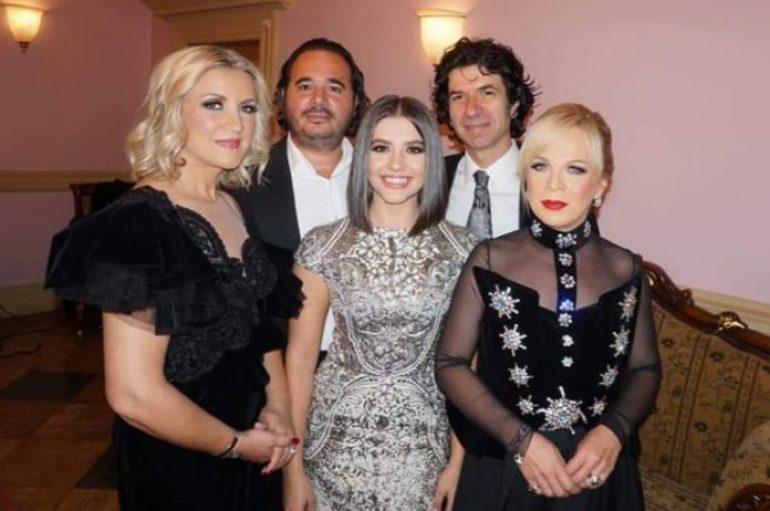 """Pesë artistë shqiptarë magjepsin publikun e """"La Scala-s"""" së New York-ut"""