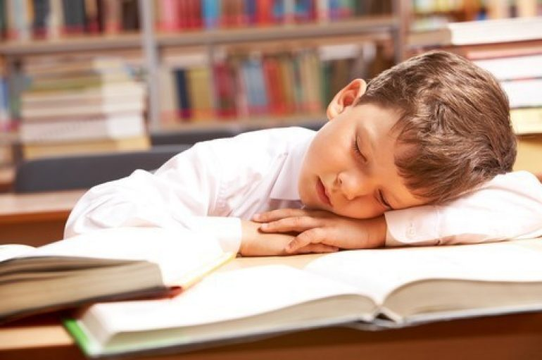 Gjumi i pasdites, një praktikë e përditshme në jetën e fëmijëve