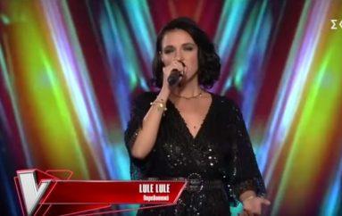 Artistja nga Ukraina mahnit jurinë e Greqisë me këngën shqipe