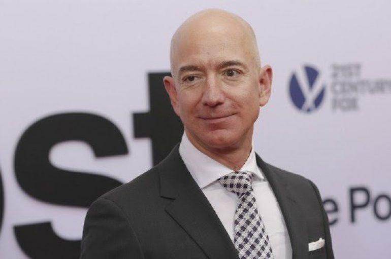 Një nga njerëzit më të pasur në botë dhuron 99 milionë dollarë për të pastrehet