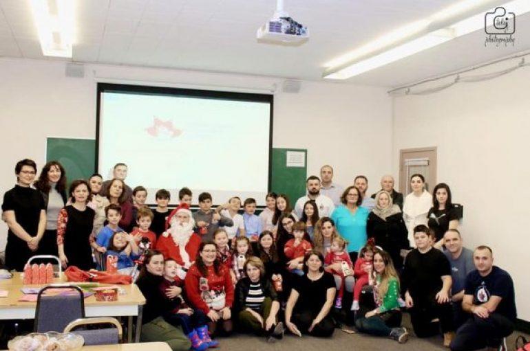 Tërmeti, komuniteti shqiptaro-kanadez dhuron mijëra euro për familjet e prekura