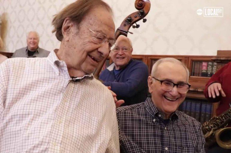 Publikuan albumin e tyre të parë në moshën 88 dhe 102 vjeçare, këta janë dyshja më e vjetër e këngëtarëve